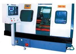 Máy tiện CNC băng nghiêng thay dao tự động với 8 vị trí